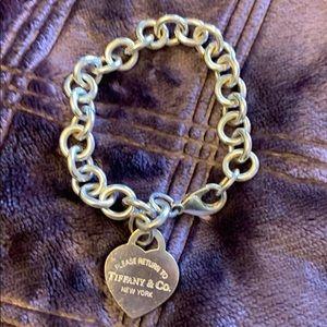 TIFFANY&CO Heart Tag Charm Bracelet 7in